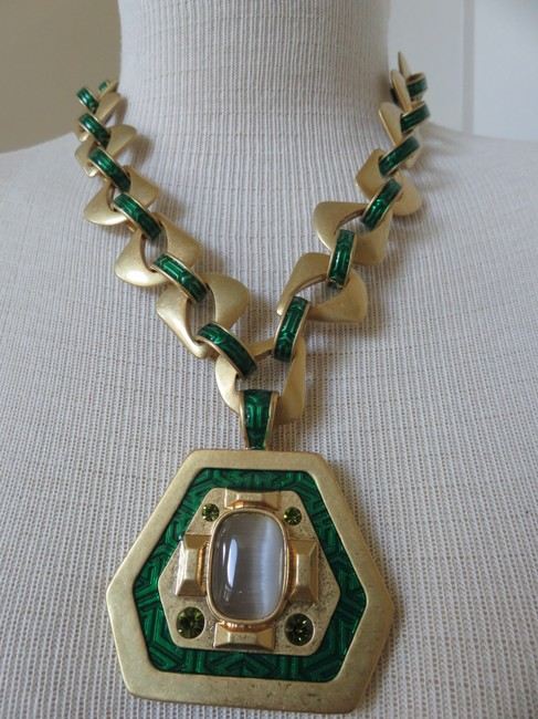 Lia Sophia Green / Gold Red Carpet New Necklace Lia Sophia Green / Gold Red Carpet New Necklace Image 4