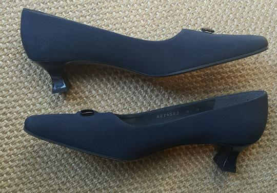 Stuart Weitzman Kitten Heel Toe Made In Spain Navy Pumps