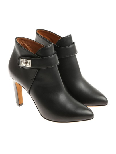 Preload https://img-static.tradesy.com/item/23861078/givenchy-black-classic-shark-silver-lock-bottine-9-leather-ankle-bootsbooties-size-eu-39-approx-us-9-0-0-540-540.jpg
