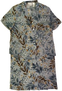 Alfred Dunner Alfred Dunner 2 Piece Blue Floral Size 16 Blouse and Size 18 Skirt Set