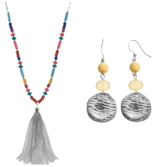 Preload https://img-static.tradesy.com/item/23861516/color-silver-earring-necklace-0-1-540-540.jpg