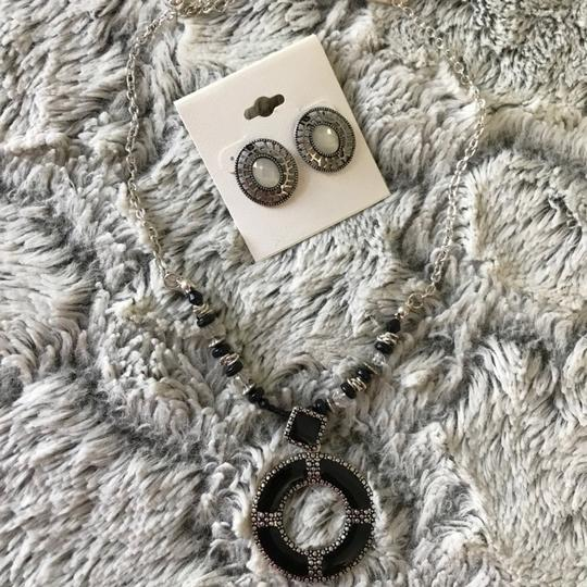 NA necklace earrings