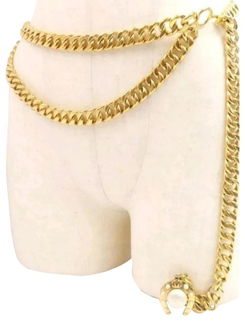 Chanel Gold Faux Pearl Horseshoe Chanel Gold Faux Pearl Horseshoe Image 1
