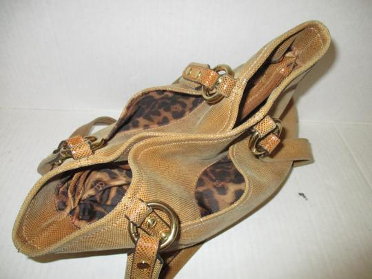 B. Makowsky Shiney Brass Hardware Leopard Lining Vintage Bohemian Satchel in Golden Brown