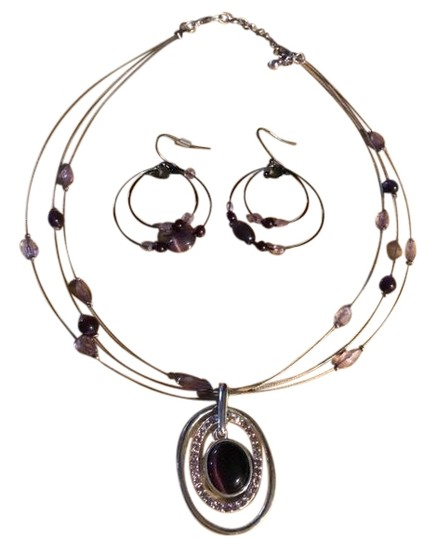 Preload https://img-static.tradesy.com/item/23862553/silver-and-purple-set-necklace-0-1-540-540.jpg