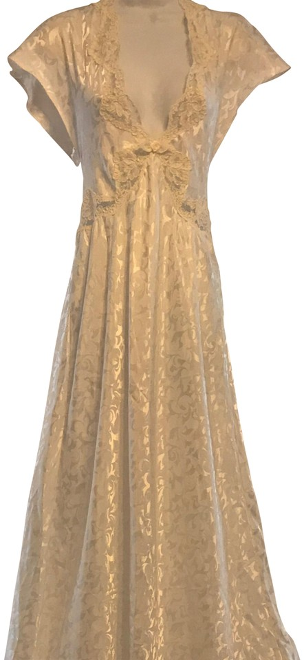 Valentino Cream Gown Just Awesome Long Casual Maxi Dress Size 8 (M ...