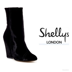 Shellys London Chunky Heel Velvet Made In Spain Pointed Toe Black Boots