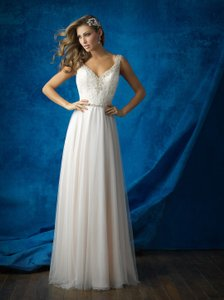 Allure Bridals Ivory/Silver Beaded Lace and Tulle Skirt 9373 Feminine Wedding Dress Size 12 (L)