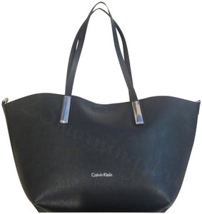 Calvin Klein Silver Hardware Pebbled Print Hardware Accent Bars Magnetic Snap Wristlet Pouch Tote in Black