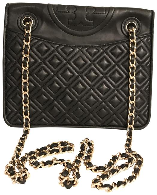 Item - Fleming Med Diamond Quilted Black Gold Lambskin Leather Cross Body Bag