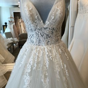 23123b8c692a White Gold Lace Appliques Sheer Netting Tulle Formal Wedding Dress ...