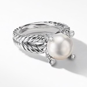 David Yurman GORGEOUS! David Yurman Cable Pearl and Diamond Ring Sterling Silver 10mm Freshwater White Pearl 0.05 carat Total Weight Pave Diamonds 4mm Split Shank Size 8 100% Authentic Guaranteed!! Comes with Original David Yurman Pouch!!