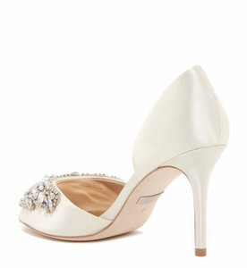 Badgley Mischka Ivory Candace Crystal Embellished D'orsay Pump Formal Size US 8.5 Regular (M, B)