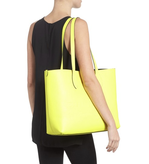 Burberry Tote in Yellow Image 1
