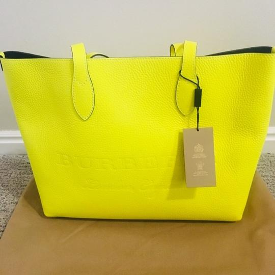 Burberry Tote in Yellow Image 5