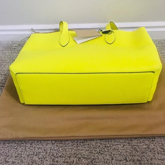 Burberry Tote in Yellow Image 7