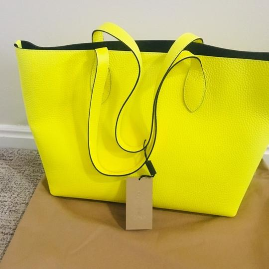 Burberry Tote in Yellow Image 8
