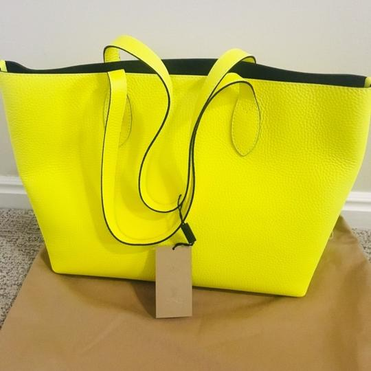 Burberry Tote in Yellow Image 9