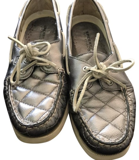 Preload https://img-static.tradesy.com/item/23871695/sperry-silver-quilt-flats-size-us-75-regular-m-b-0-1-540-540.jpg