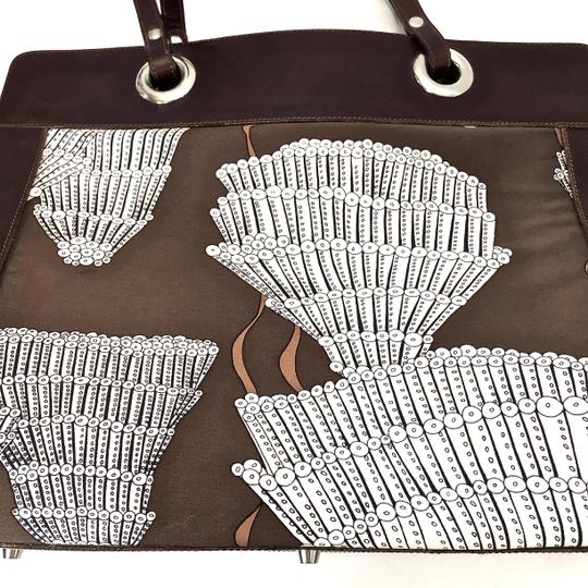 Agnes & Hoss Leather Silk Tote in Dark Brown and White Image 8