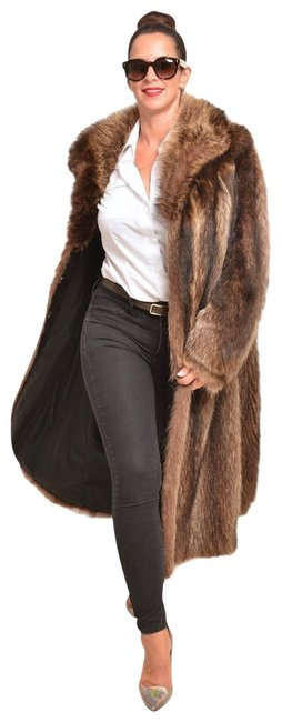 Item - Brown Raccoon Lovely Large Coat Size 12 (L)