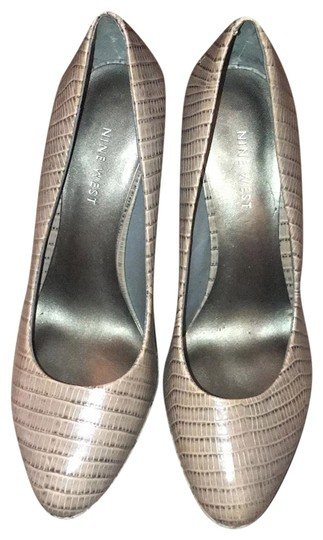 Preload https://img-static.tradesy.com/item/23872237/nine-west-grey-pumps-size-us-7-regular-m-b-0-1-540-540.jpg
