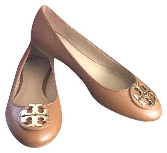 Preload https://img-static.tradesy.com/item/23872588/tory-burch-tan-claire-balet-flats-size-us-95-regular-m-b-0-1-540-540.jpg