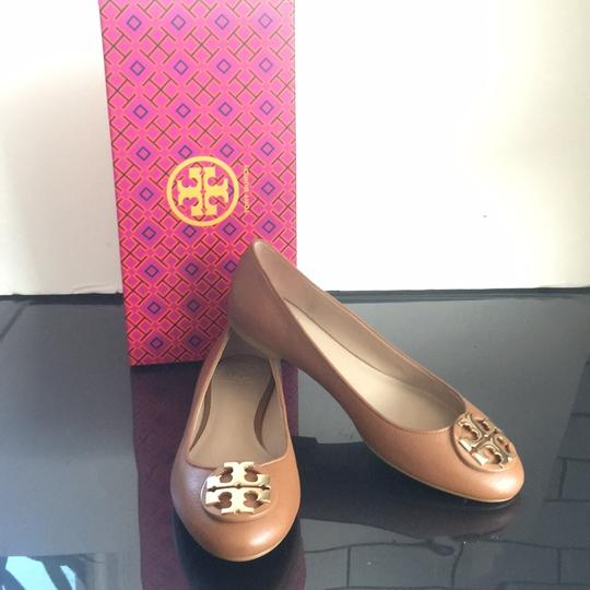 Tory Burch tan Flats Image 1