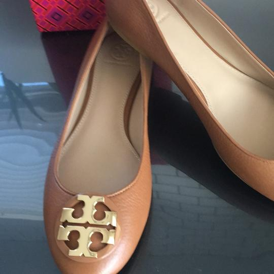 Tory Burch tan Flats Image 2