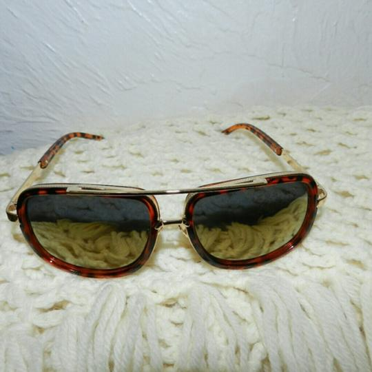 Other Sunglasses Image 4