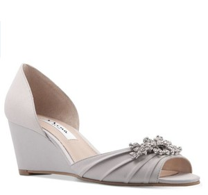 Nina Silver Satin Emiko Embellished Evening Wedges Formal Size US 7.5 Regular (M, B)