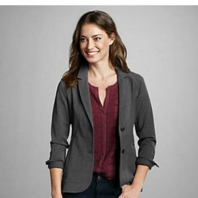 Preload https://img-static.tradesy.com/item/23880041/eddie-bauer-dk-gray-tarmac-to-trail-travel-blazer-size-8-m-0-1-650-650.jpg