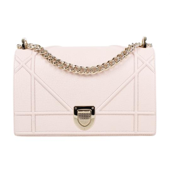 Preload https://img-static.tradesy.com/item/23880104/dior-diorama-baby-with-attachable-strap-pink-leather-shoulder-bag-0-0-540-540.jpg
