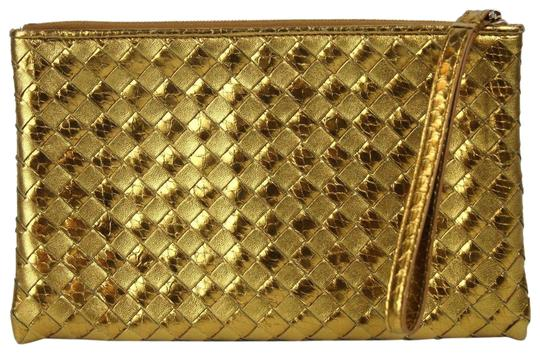 Preload https://img-static.tradesy.com/item/23880930/bottega-veneta-pythonleather-woven-wristlet-325420-7714-gold-pythonleather-clutch-0-1-540-540.jpg