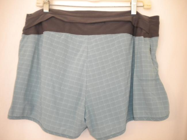 Mountain Hardwear Elastic Outside Drawstring Hidden Zipper Built In Liner Light blue/Charcoal Shorts