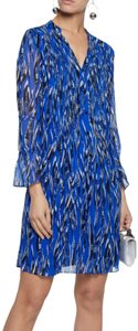 Diane von Furstenberg Casual Chic Silk Polished Winter Dress
