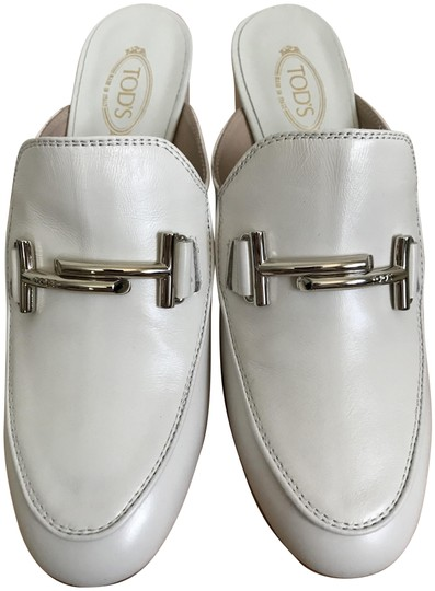 5534c0c520 Tod's White Double T Buckle Leather Slip Pumps Size EU 37 (Approx ...