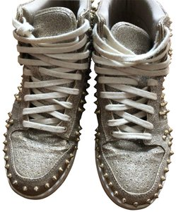 8ce1a9ef372 Gold Steve Madden Sneakers Up to 90% off at Tradesy