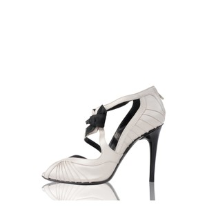 Gucci Light Taupe/Silver Pumps