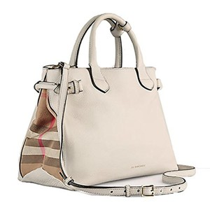Burberry Satchel in Beige
