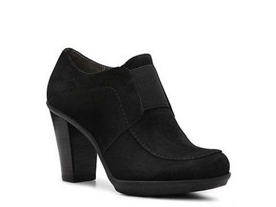 Preload https://item1.tradesy.com/images/liz-claiborne-yvonne-womens-black-suede-leather-heels-booties-shoes-2388655-0-0.jpg?width=440&height=440