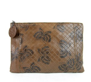 Bottega Veneta Intrecciomirage Leather Butterfly 301499 Brown Clutch