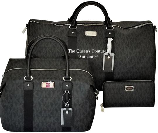 Preload https://item2.tradesy.com/images/michael-kors-new-3-pc-mk-duffle-and-and-wallet-black-pvc-weekendtravel-bag-23887791-0-5.jpg?width=440&height=440