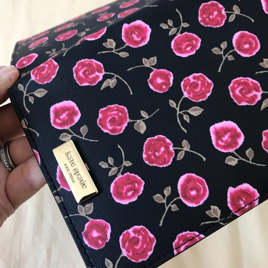 Kate Spade Brand new Laurel ay Hazy Rose Imogene Passport Holder WKRU5054