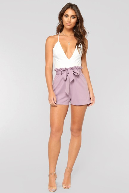 Preload https://item3.tradesy.com/images/white-and-lavender-short-romperjumpsuit-size-8-m-23887912-0-0.jpg?width=400&height=650