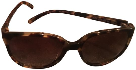 Preload https://item1.tradesy.com/images/tory-burch-tortoise-with-case-sunglasses-23887940-0-1.jpg?width=440&height=440