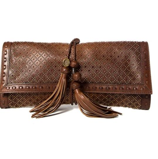 Preload https://img-static.tradesy.com/item/23887959/gucci-malika-clutch-0-0-540-540.jpg