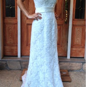 David's Bridal Ivory Lace Style T9512 Traditional Wedding Dress Size 6 (S)