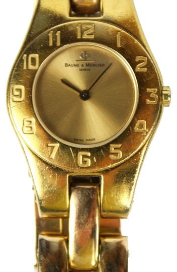 Preload https://img-static.tradesy.com/item/23888089/baume-and-mercier-gold-women-s-linea-watch-0-1-540-540.jpg