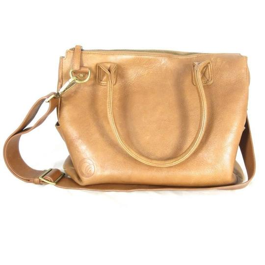 Preload https://item5.tradesy.com/images/large-top-zip-w-changing-pad-brown-leather-diaper-bag-23888144-0-0.jpg?width=440&height=440